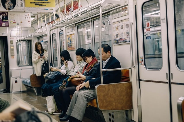 metro-subway-public-people