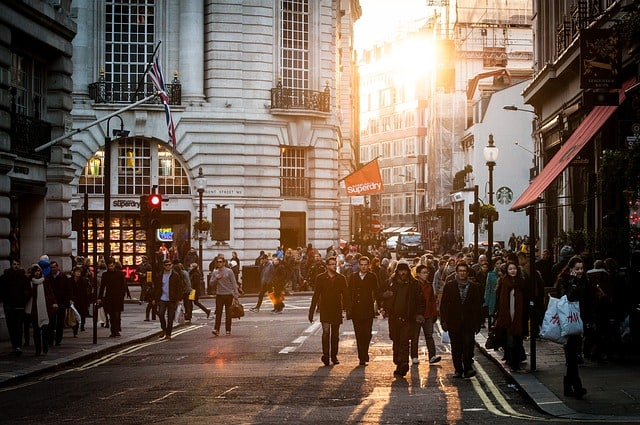 urban-people-crowd-citizens-urbanization