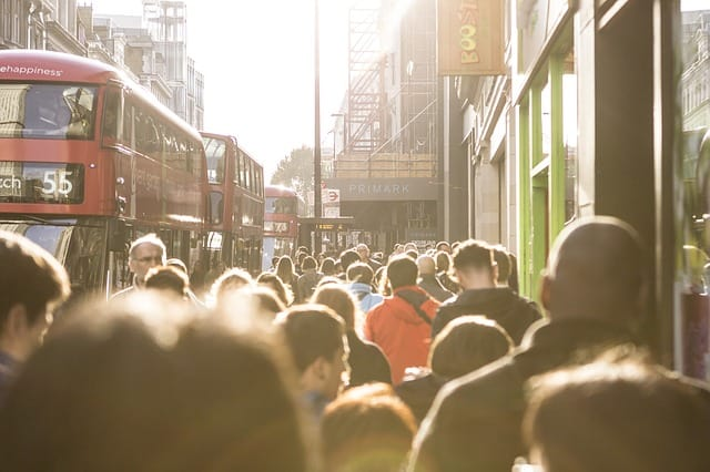 london-city-london-city-england-crowd
