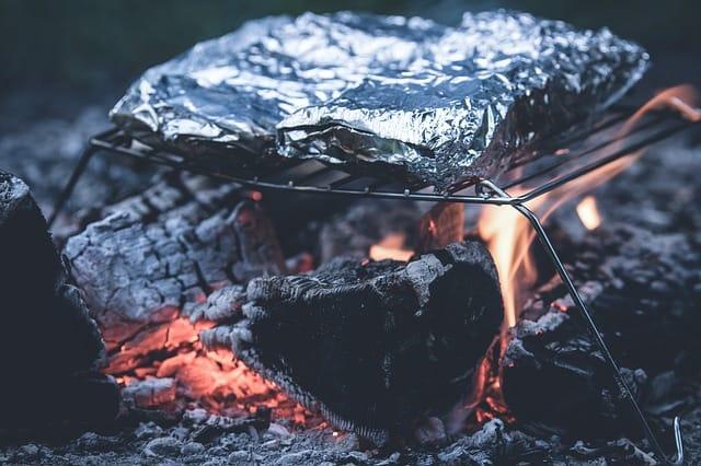 grill-aluminum-foil-ash-barbecue
