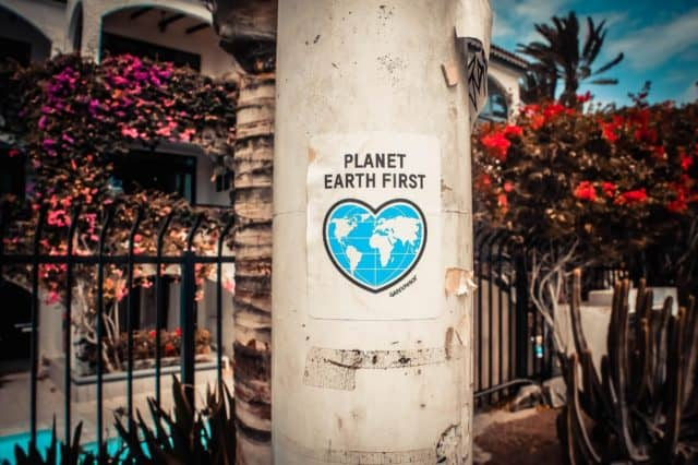 planet-earth-sign
