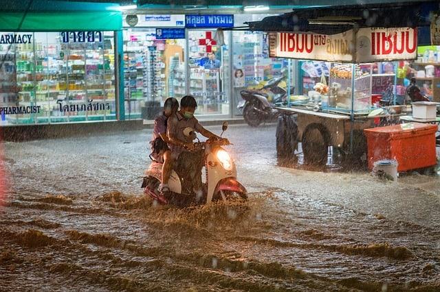 rain-heavy-flood-extreme-weather
