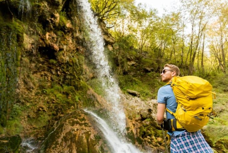 tourist-traveling-ecotourism