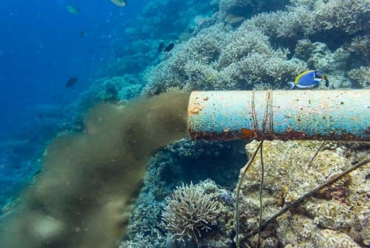 underwater-sewage-pipe