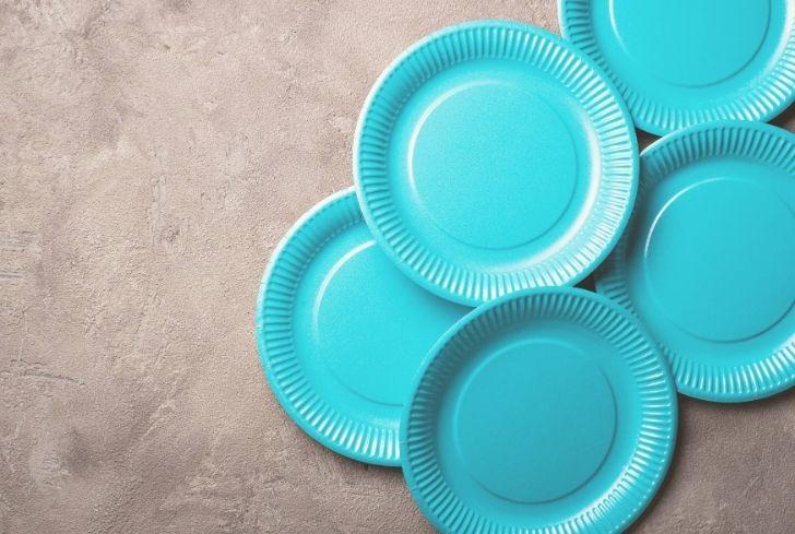 blue-paper-plates